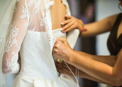 Dress the bride slide