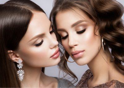 beautiful-girls-with-professional-make-up-PDPKMWJ (1)